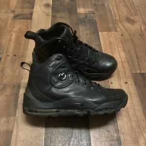Nike Premium ACG Blackout Mens Goretex Boots